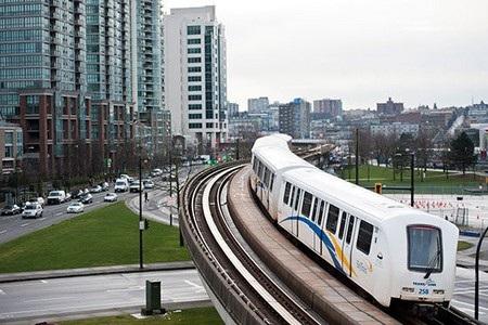 Hiện hệ thống tàu điện đô thị của Vancouver phục vụ hơn 117 triệu lượt khách mỗi năm.