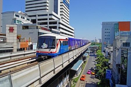 Hệ thống đi vào hoạt động từ năm 1999, với 2 tuyến đường và 34 nhà ga.