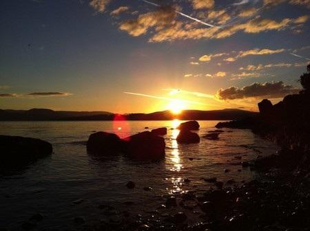 Bức ảnh chụp bằng iPhone 4 xuất hiện hiện tượng lóa nắng.
