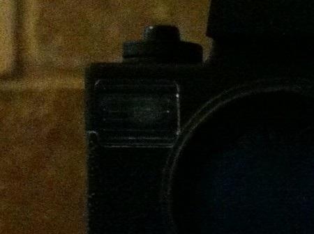 Các chi tiết bắt đầu hiện ra trên bức ảnh chụp bằng iPhone 4, tuy nhiên về tổng thể vẫn khá tối.