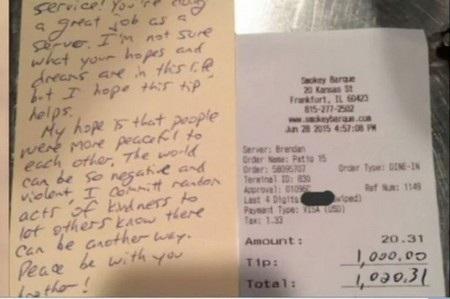 Tờ hóa đơn và bức thư mà vị khách bí ẩn đã gửi lại cho Motill