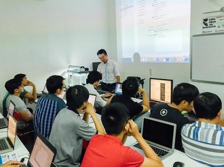 Báo Mỹ: Khi các công nghệ phải đào tạo lại sinh viên Việt Nam