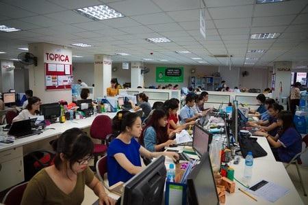 Vẻ nhếch nhác bên ngoài nhà máy của Jabil ở Khu công nghệ cao Thành phố Hồ Chí Minh