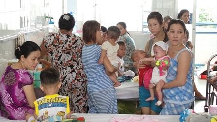 Số bệnh nhi điều trị tại Nhi Đồng 1 vẫn ở mức cao