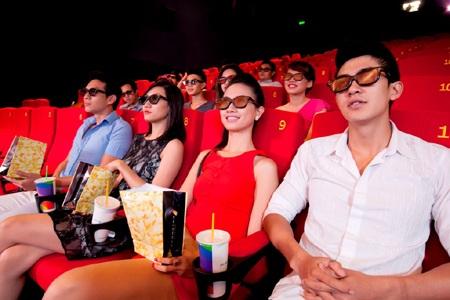 Đông đảo khách mời tham gia sự kiện khai trương rạp chiếu phim thứ 10 của MegaStar