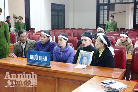 Người nhà bị hại có mặt tại phiên tòa