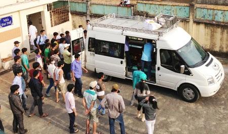 Thi thể anh Trần Chí Linh đang được gia đình, bạn bè đưa về quê lo hậu sự.