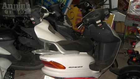 Nhiều xe máy tay ga đắt tiền khác cũng bị tạm giữ