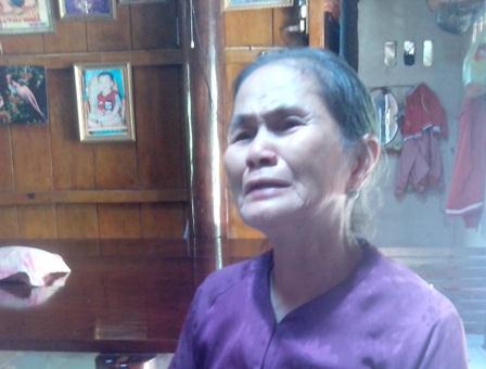 Mẹ hung thủ khóc nức nở sau vụ việc