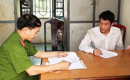 Hung thủ Nguyễn Văn Diễn tại cơ quan điều tra