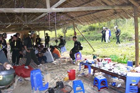 Sới bạc tại núi Võng (Ảnh Dân Việt)