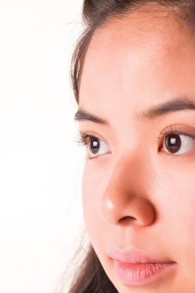 Khi bị dị ứng, mắt có thể có các triệu chứng như sau: