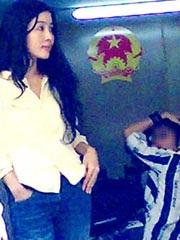 Nguyễn Thiên Lý với vẻ đẹp trời cho tại phiên tòa năm 2009.