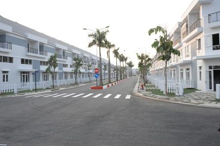 Các căn nhà hiện hữu tại Mega Residence đều có khoảng sân vườn riêng