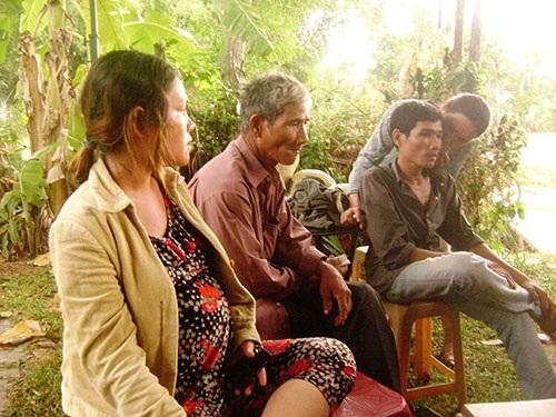 Nỗi đau của gia đình trước cái chết bất ngờ của Ngô Thanh Kiều Ảnh: HỒNG ÁNH