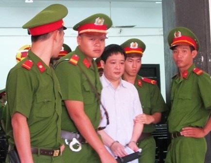 Hoãn phiên tòa vụ tham ô khi sửa ụ tàu vì vắng Dương Chí Dũng