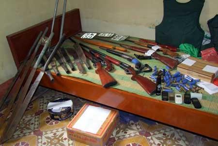 Số hung khí được cất giấu tại hiệu cầm đồ vụ xả súng nhà nghỉ Hương Rừng.