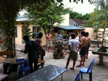 Các học viên trong cơ sở cai nghiện ở Lương Sơn, Hòa Bình.