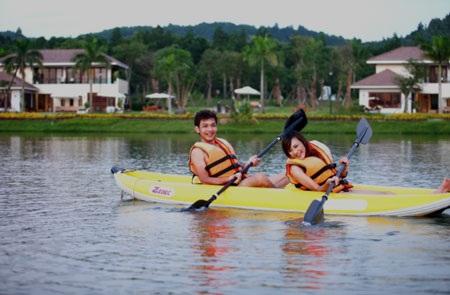 Chèo thuyền kayak khám phá hồ Đại Lải, hồ Thiên Yến