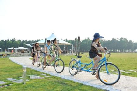 Hay đạp xe khám phá khu Resort đẹp nhất