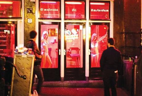 """Dạo quanh các phố đèn đỏ """"nóng"""" nhất thế giới"""