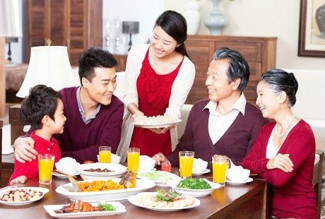 Khi đi du lịch vào dịp Tết, vấn đề ăn uống là điều du khách cần lưu ý