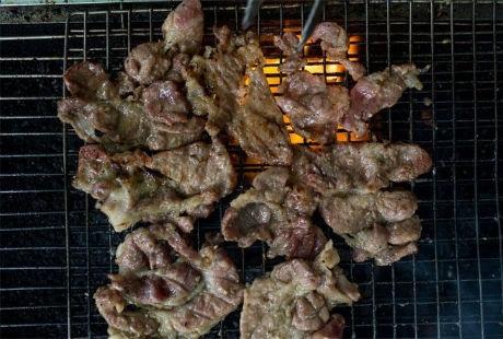Anh Trần Linh Sơn đã mở hiệu bánh mì Số 1 năm 2008 sau khi