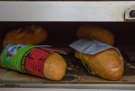 """Bánh mì Việt """"nhìn là thèm"""" trên báo Mỹ"""