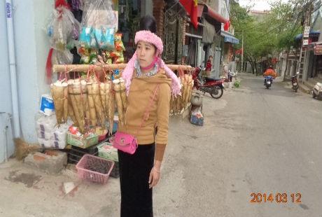 Những cô gái Thái thường xuyên mang mắng xuống chợ để bán.