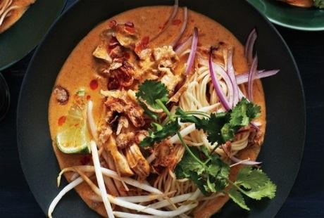 Dạng mì càri gà hoặc lợn, phổ biến ở Chiềng Mai, Thái Lan