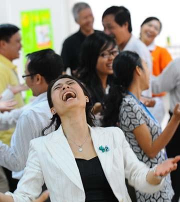 Cười là một cách thể hiện cảm xúc rất tốt cho sức khỏe - Ảnh: T.T.D.