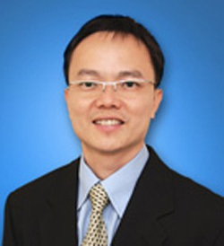 Bác sĩ Toh Chee Keong, chuyên gia tư vấn ung thư nội khoa tại bệnh viện Raffles