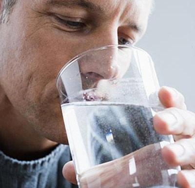 Nước giúp pha loãng các độc chất trong cơ thể