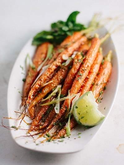Cần tây và cà rốt