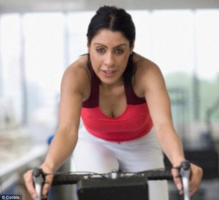 Vì sao 26% số người đến phòng tập lại tăng cân?