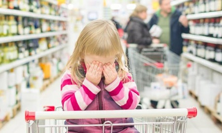 Cảnh báo nguy cơ tai nạn do xe đẩy mua hàng siêu thị