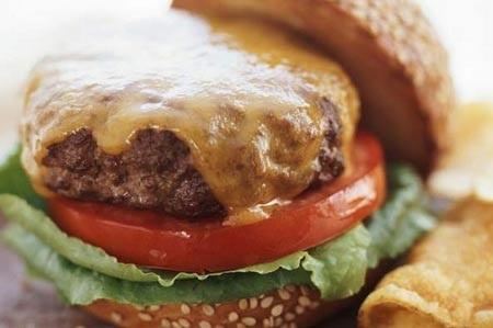 Chuyên gia hàng đầu cảnh báo: Ăn ít chất béo không ngăn được bệnh tim!
