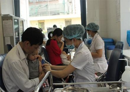 Bổ sung vắc xin sởi miễn phí cho trẻ từ 2-10 tuổi