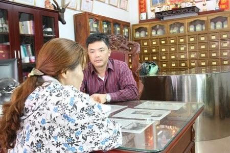 Rất nhiều người bị bệnh dạ dày đã được ông Hùng cứu chữa.