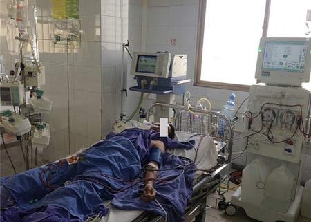 Một bệnh nhân ngộ độc rượu methanol