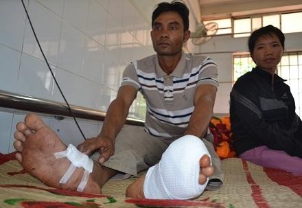Anh Y Kút Ayun đang điều trị tại Bệnh viện Đa khoa tỉnh Đắk Lắk.