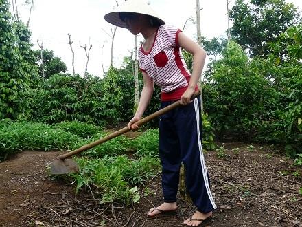 Ngoài thời gian học,Diệu rất chăm chỉ làm việc nhà phụ giúp bố mẹ.