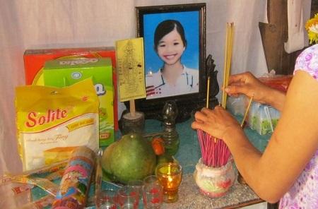 Di ảnh cháu Nguyễn Thị H. (12 tuổi) sau sự việc đau lòng.