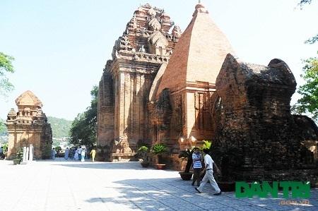 Kiến trúc của một ngôi đền khác trong quần thể tháp bà Ponagar.