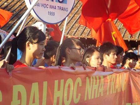 Chùm ảnh: Sinh viên Nha Trang mít tinh phản đối Trung Quốc đặt giàn khoan trái phép