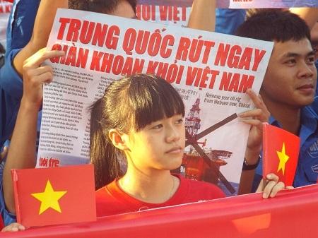 Trung Quốc rút ngay giàn khoan khỏi vùng biển Việt Nam.