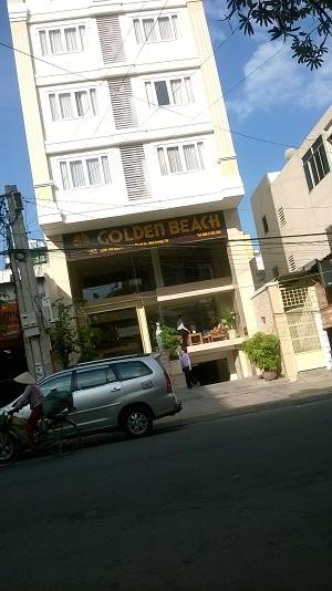 Cơ quan chức năng đang làm việc tại khách sạn Golden Beach