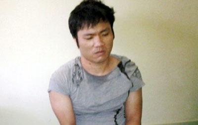 Đối tượng Bùi Xuân Hòa tại hiện trường bị bắt.