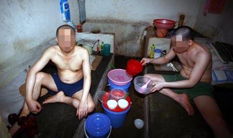 Hai tử tù trong Trại tạm giam, Công an Bắc Giang.