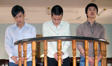 3 bị cáo Trúc, Nhân và Quân tại tòa án